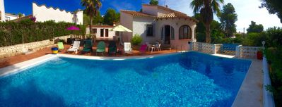 Photo for Detached villa with private pool near the sea