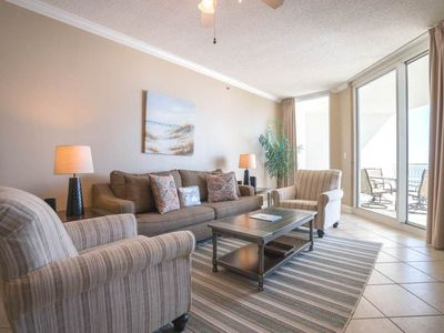 Photo for 12th Floor Charming, Open Condo, Views, Beach Chairs Included