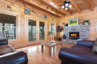 Creekbend Lodge - Living Room with Fireplace