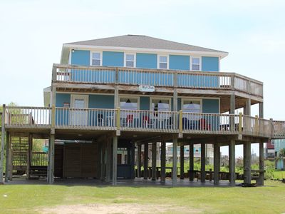 Photo for Large rental close to the beach! Centrally located.