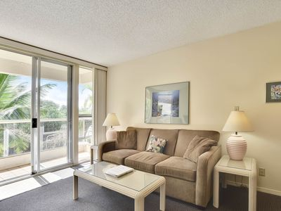 Photo for Spacious condo w/ shared pool & hot tub, tennis, beach access across the street!