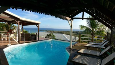 Photo for Beautiful villa with pool and superb sea view