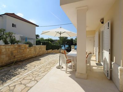 Photo for Holiday apartment with air conditioning, Adriatic Sea at only 10 m