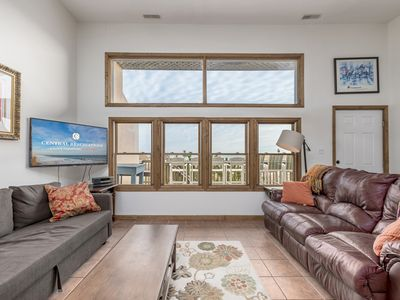 Oceanfront Duplex with Multiple Balconies for a Family of Up to 10!