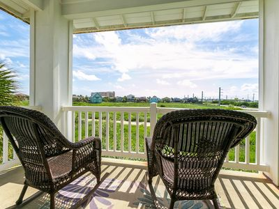 Photo for TurnKey - Walk to the Beach! The Meridian 3BR w/ Pool, 3 Minutes to Downtown