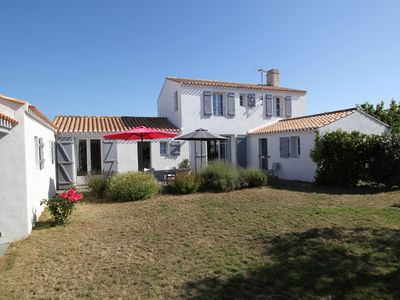Photo for Nice, comfortable house near the beaches and the town center. Enclosed garden