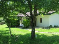 The property was very private on a beautiful location over looking the village of Castelnau-d'Auzan