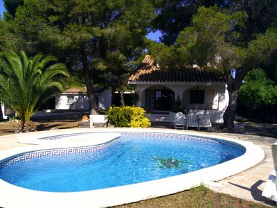 Photo for Pretty villa with private pool, 10/11 people, 3000m from the beach
