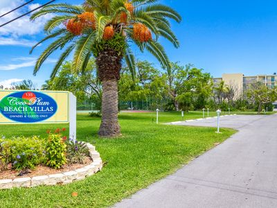 P41 - Beach Front condo with 2 bedrooms, 2 bath, pool and tennis courts!