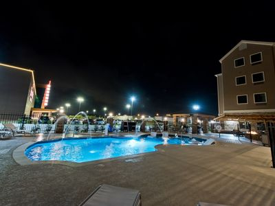 Photo for Air-Conditioned Suite   Gym Access, Seasonal Pool + Free Breakfast!