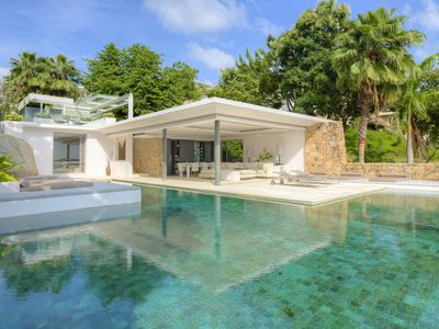 Photo for 806sqm Luxury 4 Bedroom with Private Infinity Pool