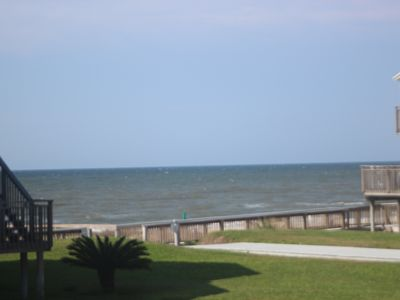 OMJ9 is Close to Beach, Pool, Pets and More!