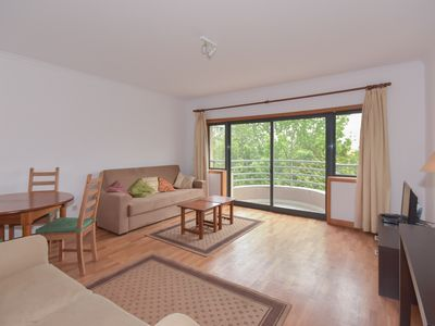 Photo for Cozy 1 bedroom flat with good bus conection