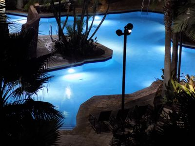 Photo for BONNET CREEK 3 BDRM Deluxe SLEEPS 10