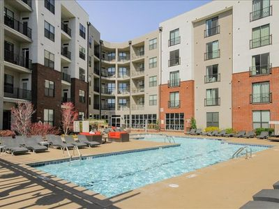 Photo for Bedroom 111 m from the center of Nashville with Internet, Pool, Air conditioning, Lift (698105)