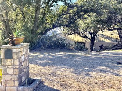 Photo for Pecan Creek Haus - Cozy Hill Country Retreat