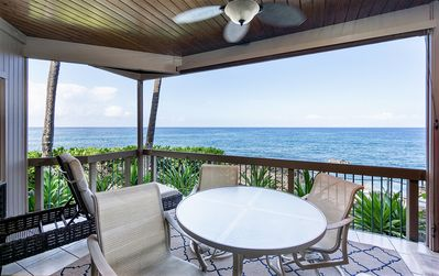 Photo for Charming Oceanfront Condo w/ Private Lanai, WiFi, Air Conditioning - Perfect for Couples