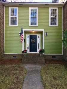 Photo for Prime location! 5-10 minutes to Shem Creek, Downtown Charleston, & the beach!