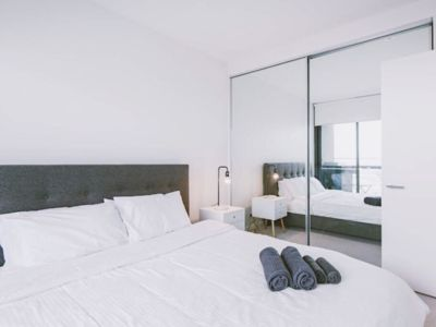 Photo for 【WATERFRONT 】Cityview 2BR Apt/Free Parking/BGBA