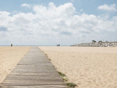 Photo for 25 km Barcelona , 100 meters from the beach (mat6)