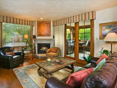 Photo for Elegant 3 BR/3 BA Mountain Views - #415 Walk to Lifts & Town