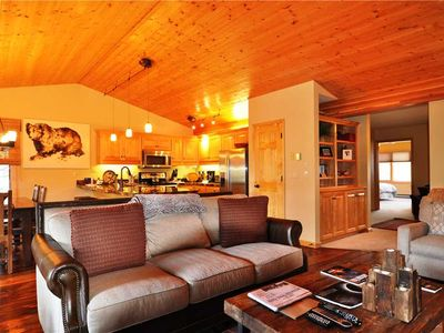 Photo for RMR: Remodeled 3 Bd Townhouse in The Cove in Aspens! + Free Activities!