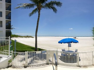 Photo for 11th Floor Island Winds, On the Beach, Spectacular Views from 3 Screened Lanais