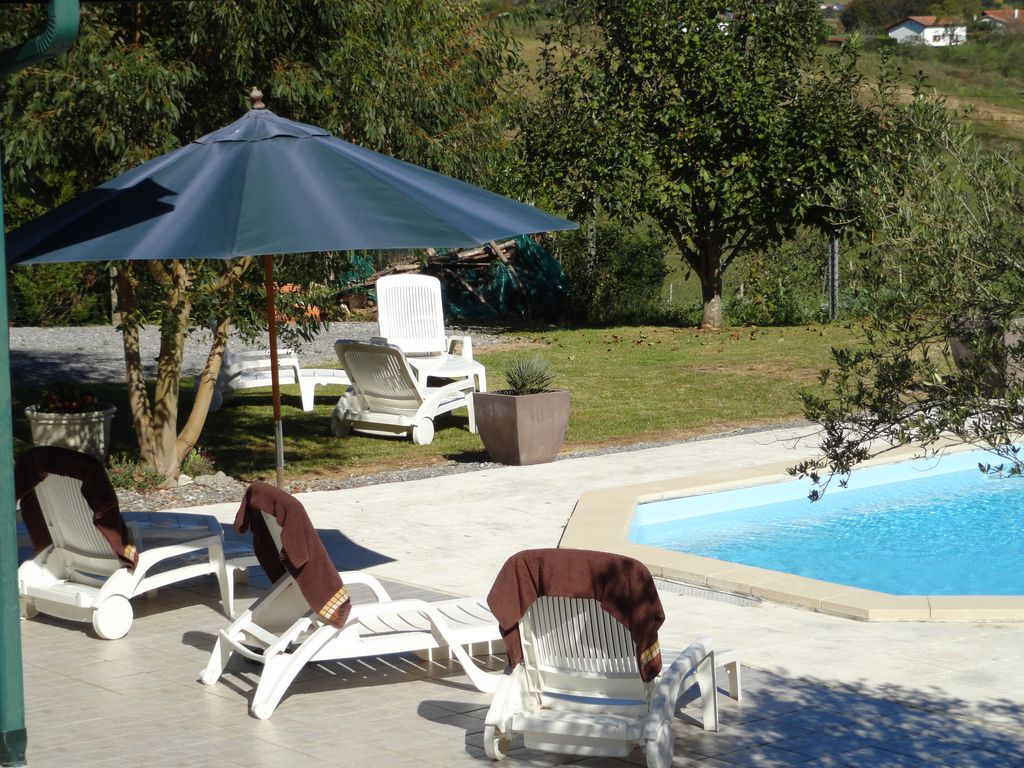 villa with heated pool near biarritz and st jean de luz