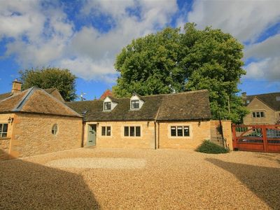 Photo for 1BR Cottage Vacation Rental in BOURTON ON THE WATER, Cotswolds