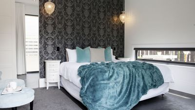 Photo for Luxury Eco Perth Hills Guesthouse - Quenda Room