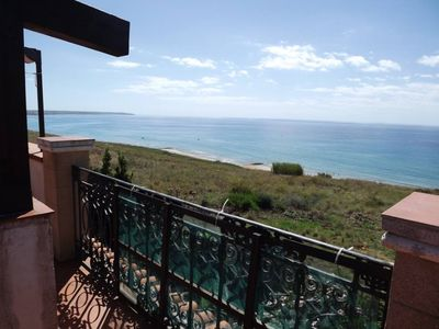 Photo for Villa immersed in the green with wonderful sea views in Porto Palo di Menfi