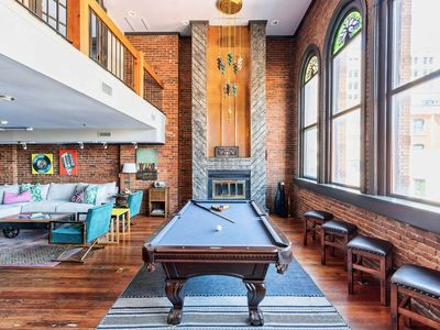 ❤️ of Downtown- 2 BR Walk to Everything! Deluxe PH Loft- Printers Alley Lofts