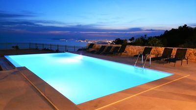 Photo for In Podstrana with Internet, Pool, Air conditioning, Parking (747099)