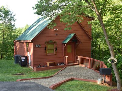 Photo for **New to VRBO** 1bedroom/2 full baths, with view of Mt. LeConte 6mi from dwntwn