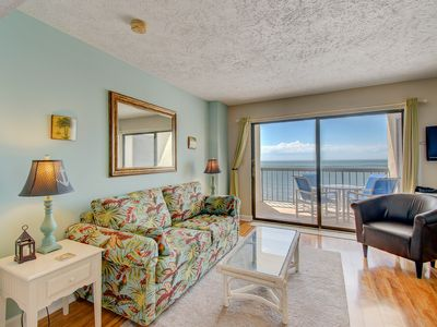 Photo for Awesome 1 bed 2 bath ocean front condo!