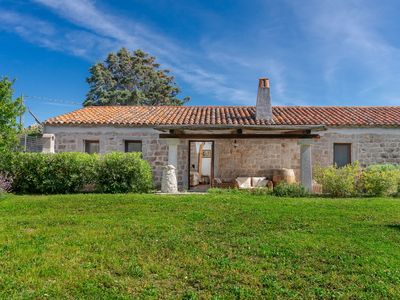 Photo for Mediterranean Villa with Air Conditioning, Loungearea and Garden; Parking available