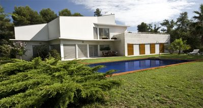 Photo for A modern and comfortable villa in a quiet and well-connected residential area