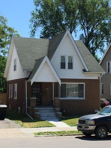 Home in the vicinity of University of Detroit Mercy & Hospitals