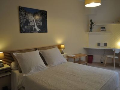Photo for Appart 'hyper center of Reims 60 eur / 2 pers + 10 eur 4 pers, terrace 9m2, living room garden