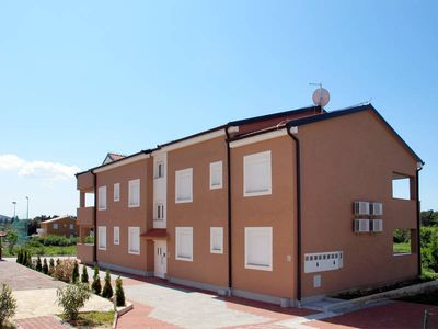 Photo for Apartment Ea  in Ugljan - Insel Ugljan, Dalmatia - 6 persons, 2 bedrooms