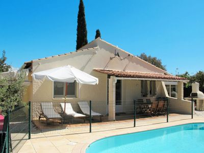 Photo for 4 bedroom Villa, sleeps 8 in Le Mitan with Pool, Air Con and WiFi