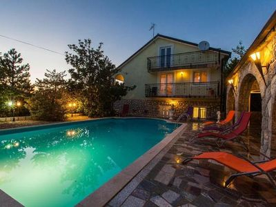 Photo for Holiday cottage Sveti Vid for 6 - 8 people with 4 bedrooms - Holiday home