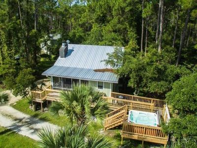 Photo for Bay Front, Romantic or Family Fun, Hot Tub, Fireplace, Screen Porch