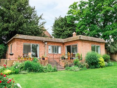 Photo for NINEA, with a garden in Wallingford, Ref 933452