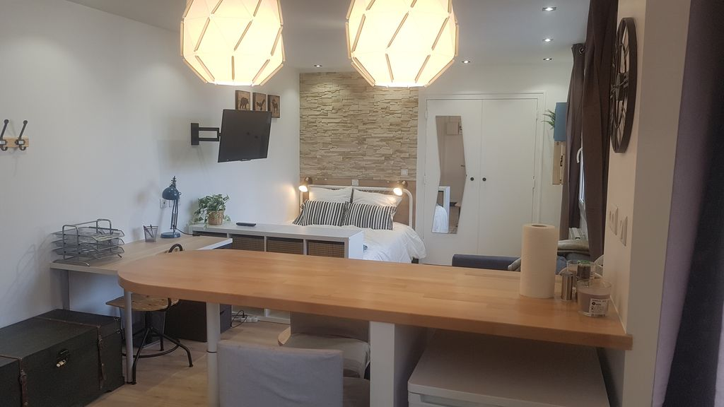 Property Image#1 The Pied à Terre   Studio Completely Redone