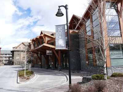 Photo for Canmore Pet-Friendly Corner Suite/ 5 Star Resort