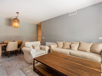 Photo for Modern 2 bedroom apartment within walking distance to Puerto Banus