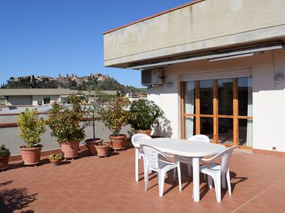 Photo for apartment/ flat - 5 rooms - 4 persons 10 Km San Gimignano