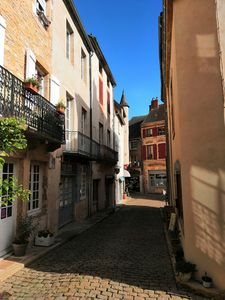 Photo for Fully renovated townhouse in St Gengoux's Old Quarter