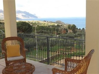 Photo for CONZA villa a stone's throw from the sea